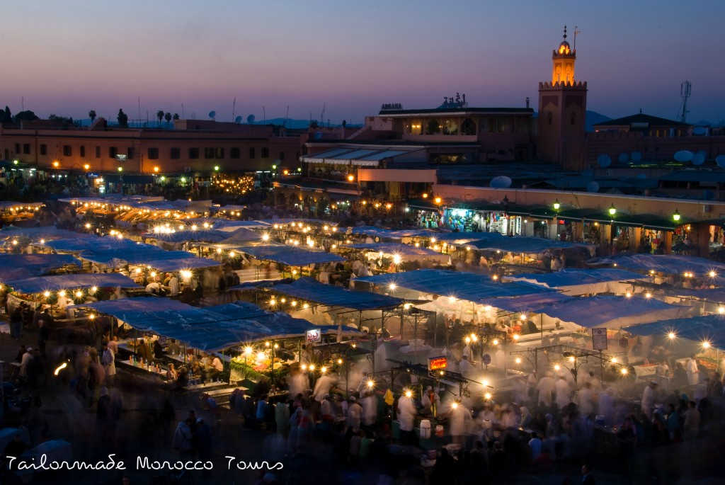 Djemaa_El_Fna_at_sunset_tailormademoroccotours